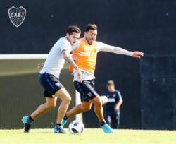 Gago y Tevez no tuvieron acción ante Palmeiras.