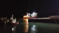 El buque partió nuevamente hacia la zona de búsqueda (foto @ADNSur)