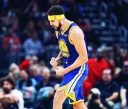 Gran noche de Klay Thompson, anotó 52 puntos en la victoria a domicilio de Warriors sobre Bulls .
