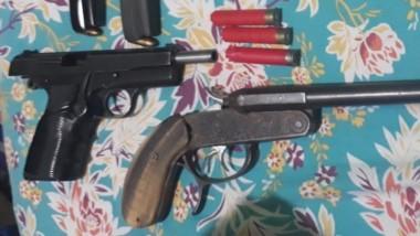 Tres armas de fuego fueron incautadas en los procedimientos de ayer.