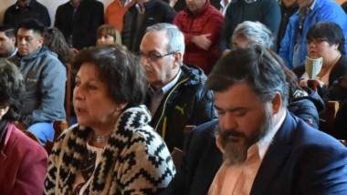 La ceremonia para recordar al exgobernador Das Neves fue abierta por la familia para que participara la gente y dirigentes que lo acompañaron durante  toda su carrera política.