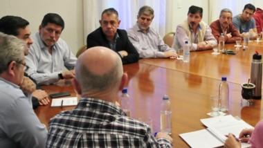 Cumbre. Durante la reunión con Provincia se expuso el panorama textil y se analizaron alternativas.