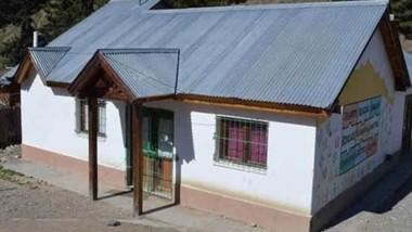 Clave. La sede de la Junta Vecinal, que todavía sostiene un merendero.