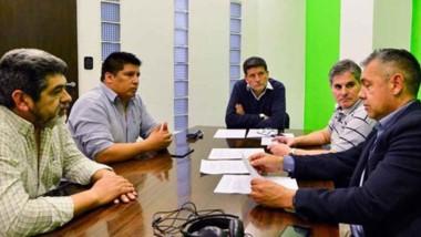 Cumbre. Los funcionarios municipales destacaron la ayuda oficial para la economía social en Trelew.