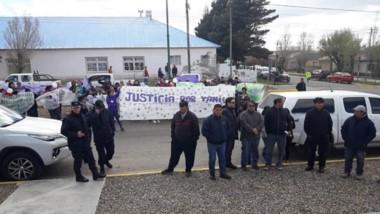 Protesta. Una de las manifestaciones que hicieron los vecinos de Paso de Indios para pedir atención al caso.