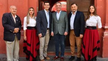 Arcioni junto al gobernador salteño firmaron convenios de cooperación entre las provincias y reforzaron la serie de encuentros políticos que vienen manteniendo.