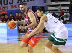 Omar Cantón (20 puntos y 8 rebotes) y Lucho Tantos (15 puntos y 9 asistencias), fueron las figuras del ganador. (Foto: Prensa Quilmes MDP).