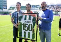 No podía ser de otra manera: Darío Cvitanich cumplió su partido 150 en el Taladro y lo festejó con gol ante San Lorenzo.