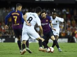 Barcelona empató con Valencia y acumuló cuarto partido sin ganar.