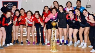 La Escuela Municipal de Voley de Trelew se coronó campeón invicto y clasificó para la Liga Argentina A2.