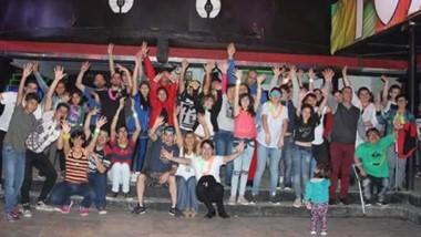 Todos los participantes de la exitosa matinée inclusiva llevada a cabo  en la ciudad de Rawson.