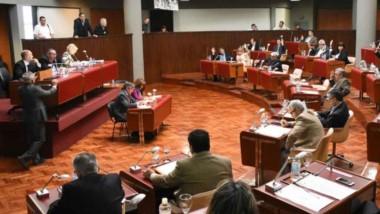 Recinto. Una postal de la sesión de ayer de los diputados, que discutieron el nuevo tarifazo de Macri.