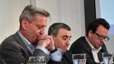 El gobernador junto al secretario de Derechos Humanos, Avruj, durante el convenio con la provincia.