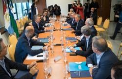Macri llegó con sus ministros y realizó una reunión de Gabinete junto al gobernador Juan Schiaretti.