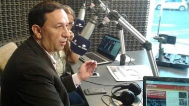 El intendente visitó los estudios de FM Tiempo y habló de la situación social de Trelew y el futuro político.