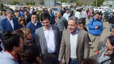Visita por la Cordillera. Arcioni reveló que el candidato de Chubut Somos Todos en Esquel podría surgir de Pasquini y la ministro Saunders.