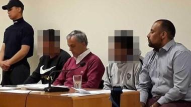 Los dos detenidos ayer, comparecieron por la fuerza ante la Justicia.