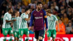 Messi, que volvió de la lesión, hizo dos. Lo Celso hizo el tercero de Betis.