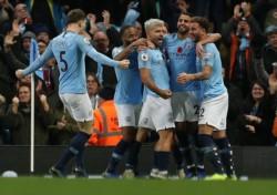 Con goles de Silva, Agúero y Gundogan, Manchester City derrotó al United en el clásico.