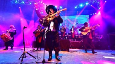 El Chaqueño Palavecino hizo vibrar Puerto Madryn. Cientos de personas cantaron junto a él sus temas clásicos.  Recibió aplausos, reconocimiento y calor del público presente.