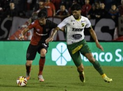 Defensa y Justicia empató sin goles ante Newell's en Rosario.