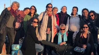 Las 12 artistas de Chubut visitaron parte del camino recorrido por la artista chilena Violeta Parra.