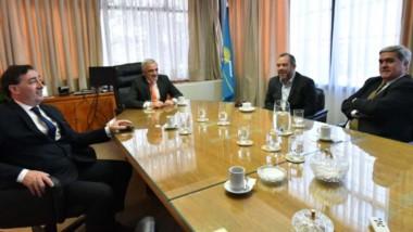 La reunión del Tribunal Electoral Provincial presidida por el ministro del Superior, Mario Vivas.