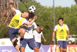 Scaloni paró en cancha el once para el partido del viernes contra México.