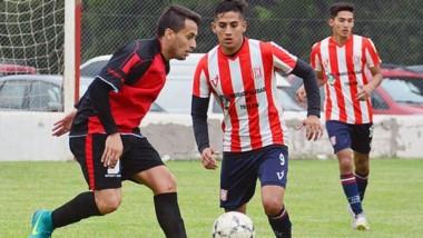 """El partido entre Racing Club y Gaiman FC se programó para el lunes. Pero el """"Rojinegro"""" quiere jugar el sábado."""