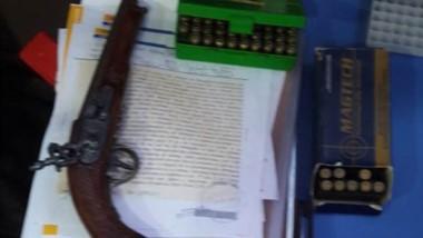 La Brigada de Investigaciones secuestró, además, armas y municiones.
