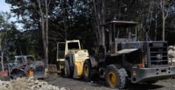 Maquinaria vial quemada por la RAM en Bariloche. (Gentileza: Bariloche Opina-Foto: Laura Toso)