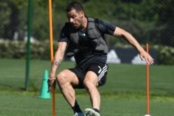 Crece la chance de que Rodrigo Mora acompañe en el ataque a Pratto, si Scocco no se recupera del todo.