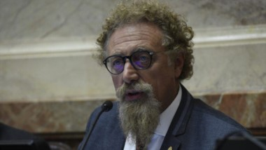 Alfredo Luenzo, senador.
