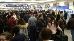 Cinco de los seis sindicatos del sector aeronáutico (APTA, APA, UPSA, APLA y UALA) anunciaron que este miércoles volverán a realizar asambleas en el Aeroparque Metropolitano Jorge Newbery desde las 7: