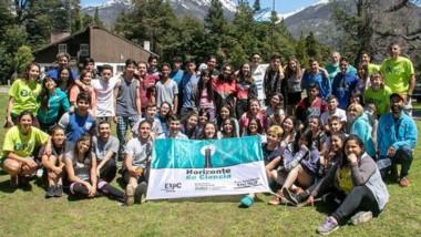 Todos los participantes de la 3ª edición del campamento científico que promueve Pan American Energy.