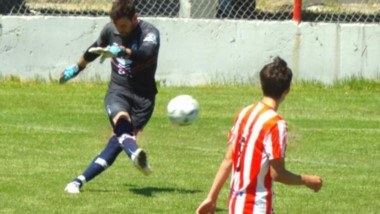 Mateo Grasso,  arquero del plantel profesional de Guillermo Brown, atajó en Reserva ante Racing Club.