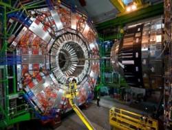 La aspiración de unos mil científicos e ingenieros que trabajan en el proyecto es comenzar a operar el colisionador a partir de 2023.