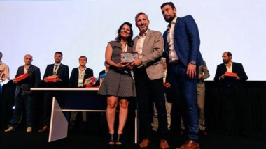 Milagros Badaloni recibió el reconocimiento a la gestión y administración del  municipio de Madryn.