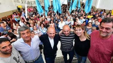 Militancia por dos. El intendente Ricardo Sastre y su hermano Gustavo se reunieron con la militancia de cara a las elecciones de 2019.