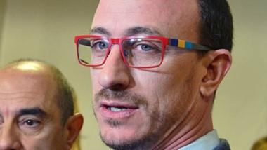 Director del hospital Zonal de Trelew Sebastián Restuccia.