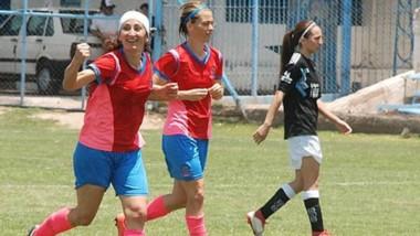 Eva Schmid festeja el gol del segundo empate anteayer ante Río Cuarto, que ayer perdió ante Paraná.