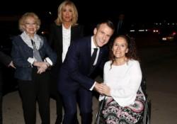 Arribó el presidente de Francia, Emmanuel Macron, y fue recibido por la vicepresidente Gabriela Michetti.
