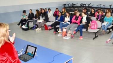 Durante el curso se aborda el desarrollo de una educación inclusiva.