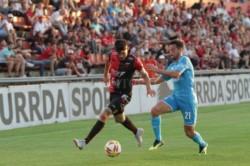 Colón y Belgrano, que sigue en puesto de descenso, igualaron 1 a 1.