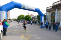 Hugo Rodríguez a su paso por la Municipalidad de Trelew. (Foto: Gonzalo Lastra).
