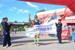 El debutante Hugo Rodríguez cruzó primera la meta en Rawson.