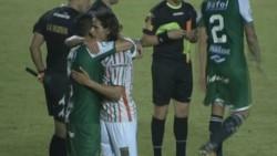 Sarmiento, con 1 menos, igualó 0-0 ante Agropecuario y continúa en lo más alto de la tabla en la B Nacional.
