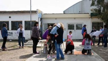 Quejas. La comunidad educativa en Puerto Madryn sigue reclamando soluciones para la Escuela 7007.
