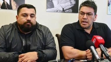 Dúo. Urrutia (izquierda) junto con Collio al anunciar el alerta sindical de Camioneros en la planta de arena.