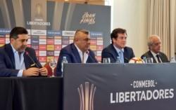 Conferencia de prensa de los presidentes Alejandro Domínguez (CONMEBOL), Claudio Tapia (AFA), Daniel Angelici (Boca) y Rodolfo D' Onofrio (River).